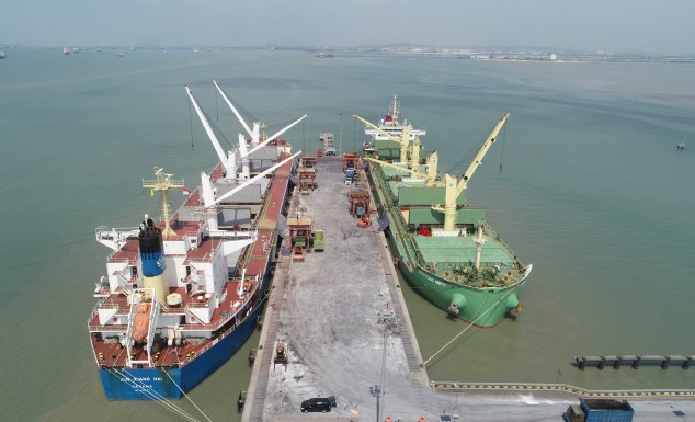 Ships increasingly crowded, Manyar Port Capacity Increased 3 times